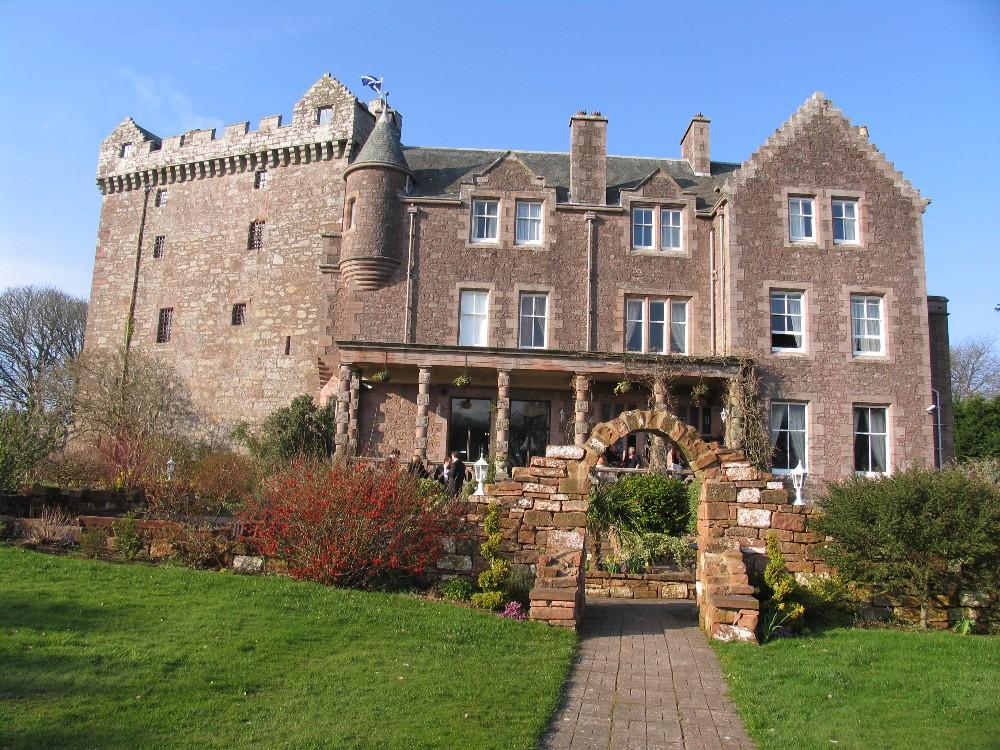Comlongon Castle, Dunfires 250307